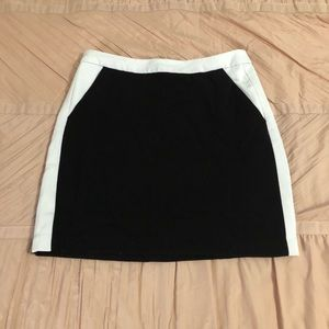 Black and White Mini Skirt with Pockets